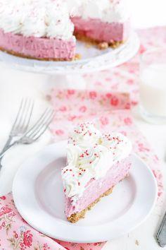 No Bake Raspberry Cheesecake dessert recipe - Sugar & Soul Brownie Desserts, Oreo Dessert, Mini Desserts, Rosa Desserts, Coconut Dessert, Frozen Desserts, No Bake Desserts, Raspberry No Bake Cheesecake, Raspberry Recipes
