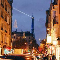 Paris, Tour Eiffel  Eiffeltower. Christmas decorations