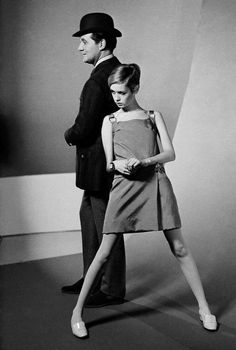 Patrick Macnee (The Avengers) and Twiggy photographed by Terry O'Neill, 1967.