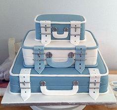 Blue and White Suitcase Cake Luggage Cake, Suitcase Cake, Pretty Cakes, Beautiful Cakes, Amazing Cakes, Fondant Cakes, Cupcake Cakes, Farewell Cake, Bag Cake