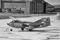 One of the planes at Valkenburg 1965 Ww2 Aircraft, Military Aircraft, Air Fighter, Fighter Jets, Navy Seals, Historical Pictures, Royal Navy, Cold War, Airplanes