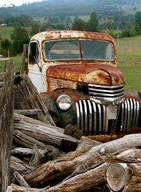 Old Pickup Trucks, Farm Trucks, Cool Trucks, Chevy Trucks, Country Trucks, Country Barns, Chevy Pickups, Classic Trucks, Classic Cars