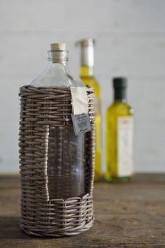 Rustic Rattan Olio Bottle