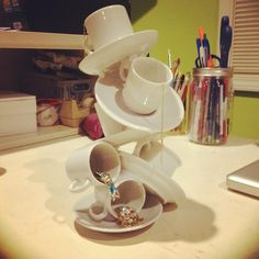 46 Super Ideas For Jewerly Holder Diy Tea Cups Jewellery Storage, Jewellery Display, Jewelry Organization, Diy Jewelry, Jewellery Stand, Jewelry Holder, Design Crafts, Diy Crafts, Wedding Table Centres