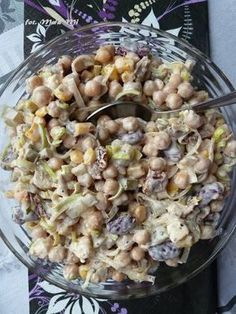Sałatka z cieciorką, fetą i suszonymi pomidorami Party Salads, Appetizer Salads, Appetizer Recipes, Salad Recipes, Healthy Recipes, Slow Food, Appetisers, Thing 1, Macaroni And Cheese