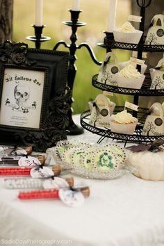Shabby Chic Cowgirl Birthday Party with LOTS of Cute Ideas via Kara's Party Ideas Halloween dessert table wizard of oz party ideas for adult. Halloween Dessert Table, Halloween Desserts, Halloween Food For Party, Halloween Cupcakes, Halloween Candy, Holidays Halloween, Halloween Kids, Vintage Halloween, Halloween Crafts