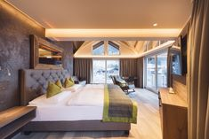 Modern hotel room in Stubai Valley Tyrol Modern Hotel Room, Wellness Resort, Hotels, Home Interior, Interior Modern, Restaurant, Luxury, Inspiration, Bed