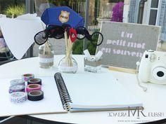 Photobooth bohème chic avec polaroid et accessoires, cadre lin avec petit message au pochoir, adorable !