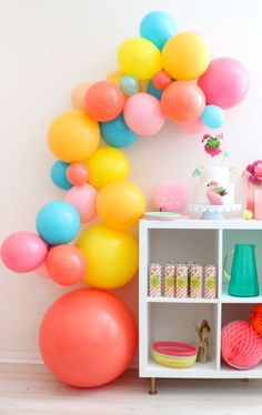 Balloons decoration are an absolute necessity have for any birthday party! Explode your balloons utilizing your mouth, a pneumatic machine, or a helium tank. Balloon Display, Balloon Garland, Balloon Decorations, Birthday Party Decorations, Birthday Parties, Decoration Party, Big Balloons, Colourful Balloons, Birthday Balloons