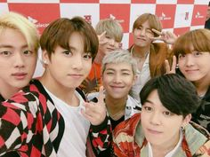 Who needs a selfie stick when you have Jungkook