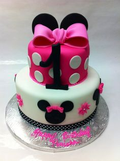 Mini mouse cake done by me @ cake castle bakery