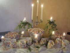 Table with (8 flavors) comfits for guests