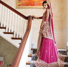 Tere naam ki koi dhadak hai na 🎶 Wedding Hijab Styles, Wedding Day Dresses, Indian Wedding Outfits, Bridal Outfits, Weeding Dress, Asian Wedding Dress Pakistani, Pakistani Bridal Couture, Pakistani Dresses, Bridal Lehenga