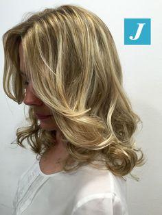 Le sfumature Degradé Joelle sono inconfondibili. #cdj #degradejoelle #tagliopuntearia #degradé #welovecdj #igers #naturalshades #hair #hairstyle #haircolour #haircut #fashion #longhair #style #hairfashion