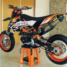 Redbull Dekor   Pic from @google _____________________________________ #bikegeneration #supermoto #supermotard #gopro #grenzgaenger #grenzgänger #ktm #supermotobike #ktmexc #moped #enduro #moto #motorcycle #motocross  #sm #supercross #smcr #motard #akrapovic #yamaha #400cc #kawasaki #suzuki #exc #honda #4stroke #ktm690smcr #bikeporn #100percent #husqvarna _____________________________________ Send us your pictures of your bikes via InstaDirect by bike_generation