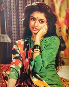 Bollywood Theme, Vintage Bollywood, Bollywood Stars, Bollywood Fashion, Bollywood Actress, Classic Actresses, Indian Actresses, Indian Heroine, Dark Eyebrows