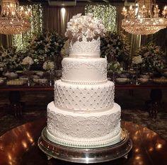 Cupcakes Decoration Blue White Weddings 34 Ideas For 2019 Luxury Wedding Cake, Fall Wedding Cakes, White Wedding Cakes, Elegant Wedding Cakes, Beautiful Wedding Cakes, Wedding Cake Designs, Beautiful Cakes, Dream Wedding, 4 Tier Wedding Cake