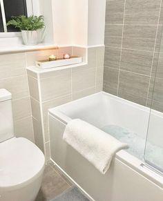 Koupelna Hall Bathroom, Bathroom Layout, Bathroom Interior Design, Bathrooms, Downstairs Toilet, Beautiful Houses Interior, Minimalist Apartment, Bathroom Inspiration, Kitchen And Bath