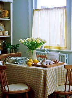 Gingham table | Retro style kitchen with yellow gingham and … | Flickr