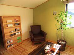 薪ストーブを囲む男前インテリアLOAFER Corner Desk, Bookcase, Shelves, Furniture, Home Decor, Corner Table, Shelving, Decoration Home, Room Decor
