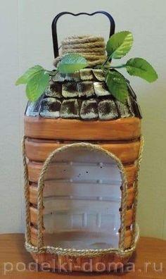 vases with recycled plastic bottles Diy Home Crafts, Garden Crafts, Crafts For Kids, Homemade Bird Feeders, Diy Bird Feeder, Plastic Bottle Crafts, Recycle Plastic Bottles, Diy Para A Casa, Bird Houses Diy