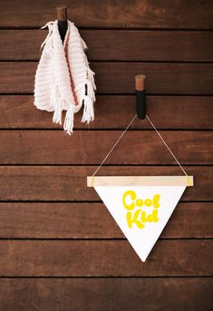Make this DIY Cool Kid Banner Art with our Free Printable. The perfect pop of yellow for your gallery wall. Diy Artwork, Free Art Prints, Diy Hanging, Project Nursery, Diy Projects To Try, Cool Kids, Free Printables, Diy Ideas, Kids Room
