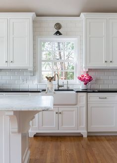 New kitchen backsplash tile around window Ideas Grey Kitchen Island, Dark Kitchen Cabinets, Kitchen Redo, New Kitchen, White Cabinets, Kitchen White, Kitchen Cabinets Around Window, Kitchen Sink Window, Gray Island