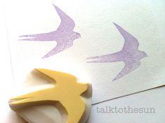schlucken Sie Stempel. VogelSilhouetteBriefmarke. von talktothesun, $7.00