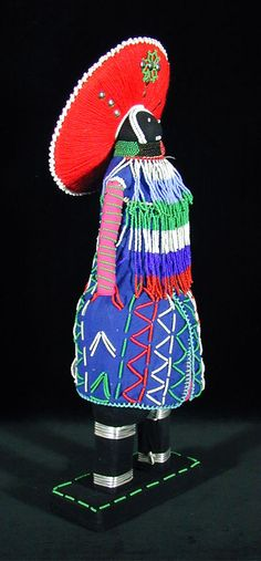 Zulu Dolls from South Africa African Dolls, African Art, South Africa Art, Living Dolls, Hand Puppets, Zulu, Weird And Wonderful, African History, Beautiful Hands