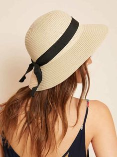 Perfect for mixing and matching with outfits. Light tan sun hat.