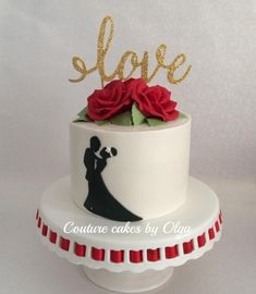 Red roses Valentine's cake - cake by Couture cakes by Olga Wedding Cake Red, Summer Wedding Cakes, Small Wedding Cakes, Engagement Cake Design, Engagement Cakes, Wedding Cake Centerpieces, Single Tier Cake, Silhouette Cake, Cream Decor