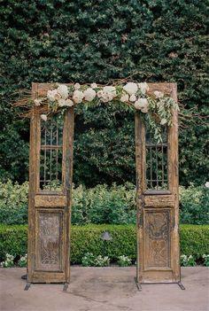 Shabby chic wedding decor - Shabby Chic Vintage Wedding Ideas You Can't Say No To! Trendy Wedding, Unique Weddings, Perfect Wedding, Wedding Ideas, Wedding Vintage, Rustic Weddings, Wedding Rustic, Shabby Chic Wedding Decor, Country Weddings