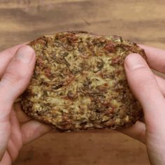"""Try These Zucchini """"Hash Browns"""" For A Low-Carb Breakfast Side"""