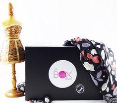 Ce coffret cadeau est une box mensuelle à offrir ou à s'offrir. Destinée aux femmes de tout âge, elle est composée de produits cosmétiques, d'accessoires de modes et autres produits lifestyles....  Retrouvez la en abonnement 3, 6 ou 12 mois sur : www.la-box-boutik.com