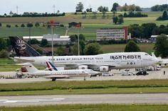 Οι Iron Maiden «έφαγαν» Μέρκελ και Ολάντ -Τα αφεντικά του αεροδρομίου [εικόνα]