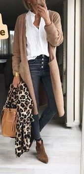 Pants long cardigan leopard scarf - All About Fashion Cardigan Outfits, Winter Fashion Outfits, Casual Summer Outfits, Classy Outfits, Winter Outfits, Autumn Fashion, Long Cardigan, Casual Winter, Winter White