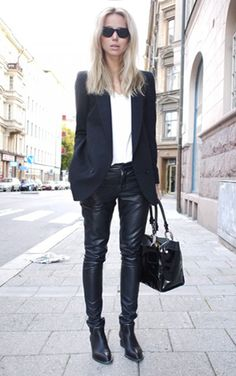 SHOP THE LOOK: Timeless Timeless look by Swedish Style Icon Elin Kling - Mannish navy blue blazer worn over a white tee and skinny leather pants. Elin Kling, Fashion Over, Look Fashion, Autumn Fashion, Womens Fashion, Milan Fashion, Street Style Chic, Swedish Style, Swedish Fashion
