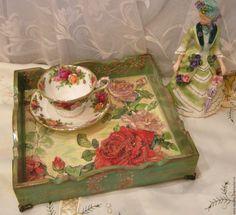 """Купить Поднос """" Розы и бабочки """" - разноцветный, зеленый цвет, подарок, поднос для кухни"""