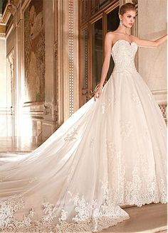 Elegant Tulle & Organza Sweetheart Neckline Natural Waistline Ball Gown Wedding Dress With Beaded Lace Appliques
