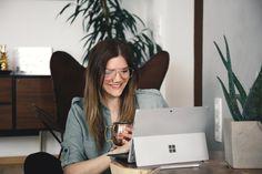 How To: Wie erstelle ich einen Blog? Professionell bloggen. Ein eigener Blog mit eigenem Content mit interessanten Themengebieten. Ein ansprechendes Design und tolle interessante Texte, die gerne gelesen werden. Aber wie? Und wie fange ich überhaupt an? Auf was muss ich achten? Welche Kosten kommen auf mich zu?