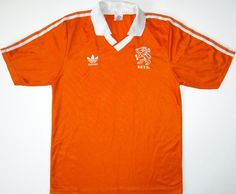 Used to have one of these, probably the first foreign shirt I owned. Don't think that I have this any more; seem to recall a big cigarette burn in it. Rijkaard, van Basten and Gullitt were so cool. Ronald Koeman's antics a few years later meant that this would be the last Dutch shirt I would own. Classic Football Shirts, Vintage Football Shirts, Dennis Bergkamp, Ronald Koeman, International Football, Replay, Dutch, Retro Vintage, Polo Ralph Lauren