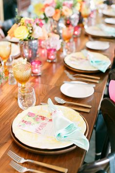 modern table settings - photo by Artiese Studios http://ruffledblog.com/bridal-shower-inspiration-with-baebrunch