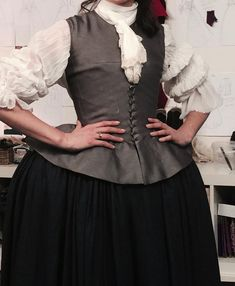 Here are some NEW BTS pics of the cast of Outlander doing costume fittings for Season 2 More after the jump!