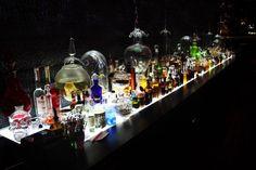 LE PARFUM // #BAR à #COCKTAILS à #Montpellier - Une pintade à Montpellier // pintade-montpellier.com Montpellier, Cocktails Bar, Restoration, Coffee Maker, Kitchen Appliances, Canning, Restaurants, Places, Fragrance