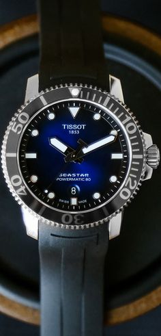 The Seastar 1000 can handle high-pressure situations of all depths, whether that's on land, securing a big-budget contract, or 1,000 feet underwater, securing a suddenly malfunctioning oxygen tank. Plus, it's a looker.