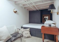 Built-in panelled bed