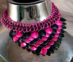 Black & Pink Diagonal Dragon Scale Maille by unicornsgarden, $35.00 This is only one of several color possibilities and only one of the patterns I make.