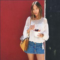 Die amerikanische Star-Bloggerin Aimee Song trägt ihre Faye zum button up Jeansrock