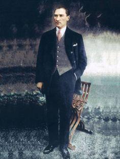 Forum - Atatürk Fotoğrafları ve Resimleri | Photoshop Magazin Great Leaders, Revolutionaries, Pugs, Photoshop, History, Turkish People, Historia, Pug, History Activities