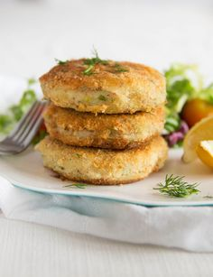 'Crispy on the outside and smooth on the inside, these Tuna Fish Cakes are the perfect way to use up some cupboard staples for a quick, easy and delicious lunch! Tuna Fish Cakes, Tuna Fish Recipes, Fish Cakes Recipe, Salmon Recipes, Fish Dishes, Seafood Dishes, Seafood Recipes, Cooking Recipes, Pie Recipes